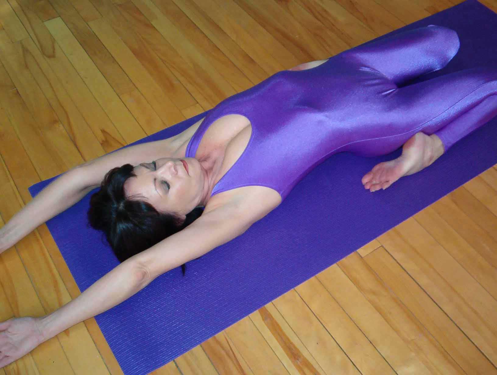 retour accueil Le logo de la IYF signifie que le fondateur est membre du  Conseil Mondial du Yoga Toutes les formations professionnelles offrent un  minimum ... 2bbd114dff8